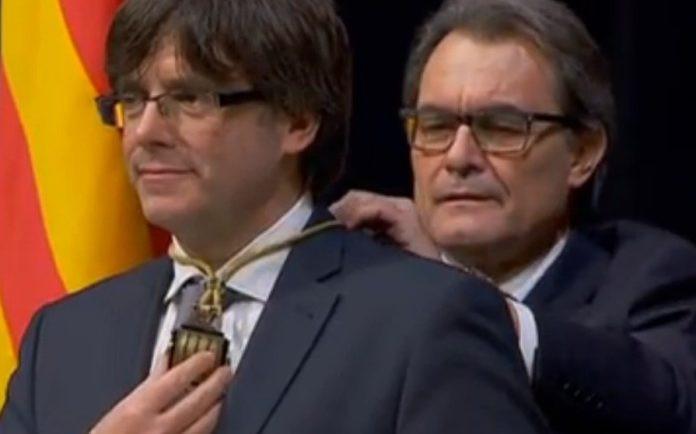 Artur Mas pide nuevas donaciones porque 'mantener el yate del procés es caro' 1529238