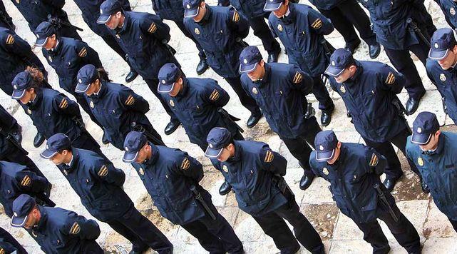 Agentes Cuerpo Nacional Policia
