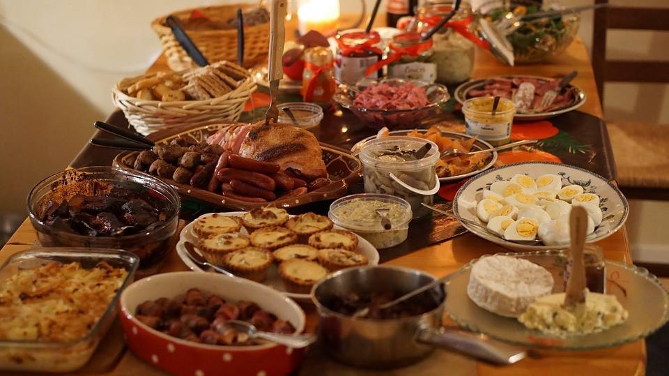 Cena navidad comida mesa alimentos alergia