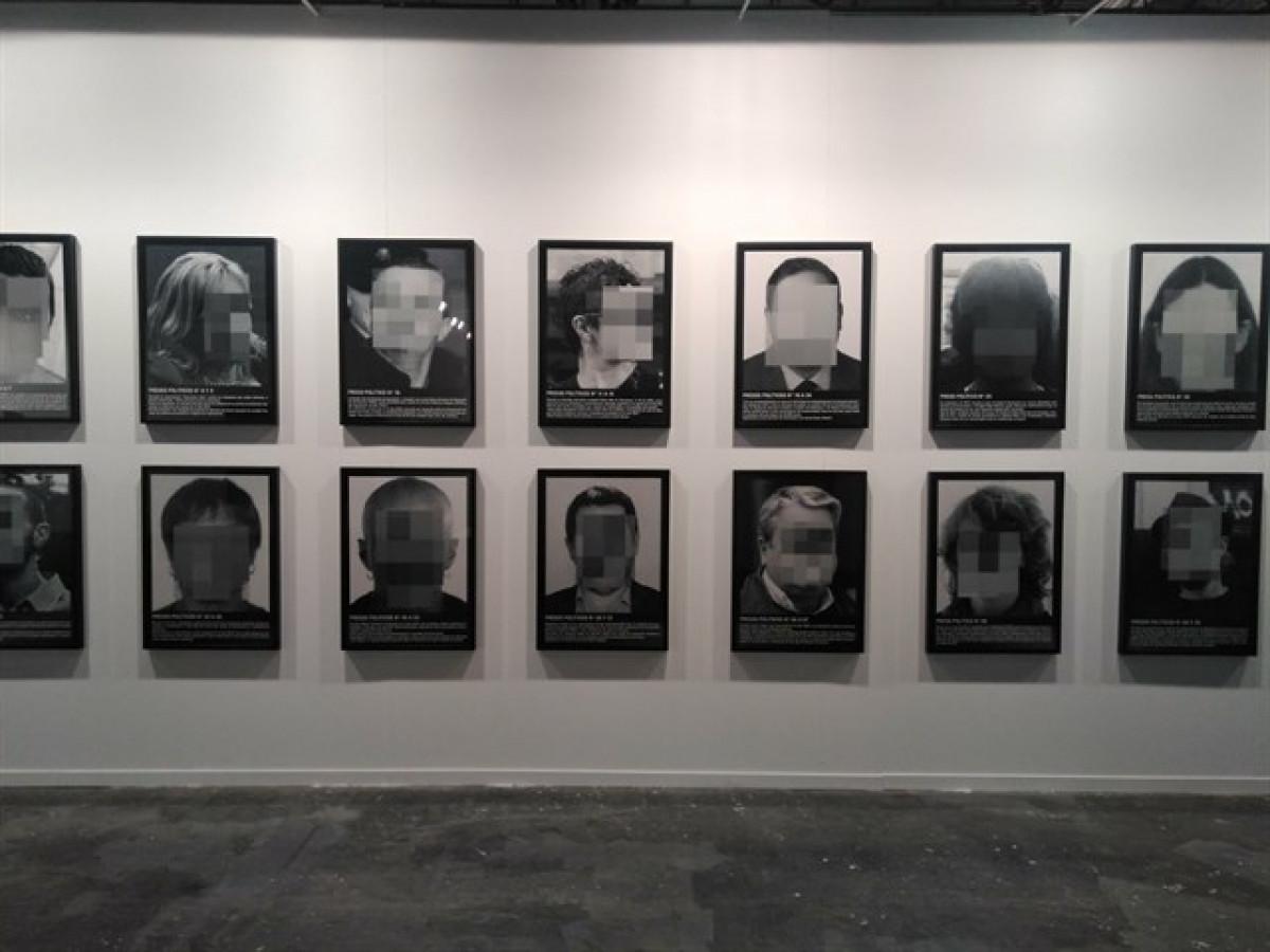 Exposición santiago sierra arco