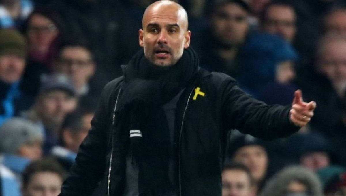 Guardiola lazo amarillo 1
