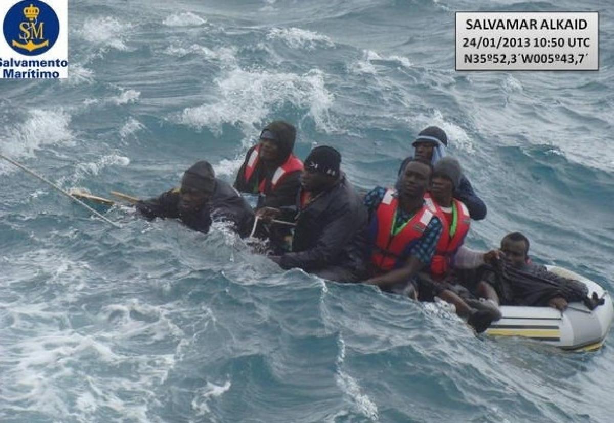 Inmigrantes patera mar llegada inmigración españa