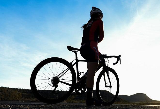 Bicicleta ciclista carretera dia mundial bicicleta 19042018