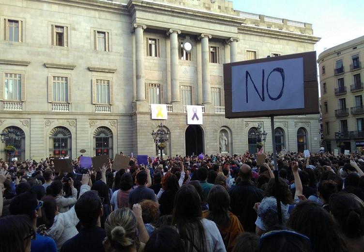 LA MANADA protestas sant jaume26042018