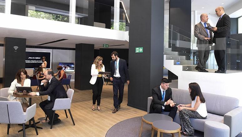 Ccoo y caixabank garantizan la voluntariedad y crean for Caixabank oficinas
