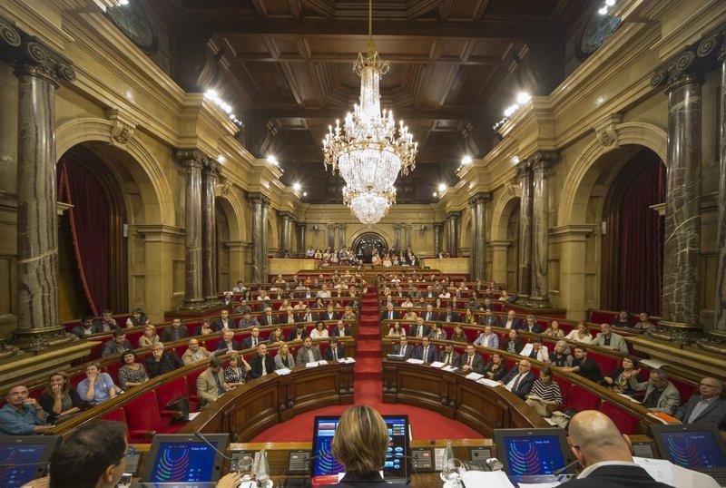 Parlament 19