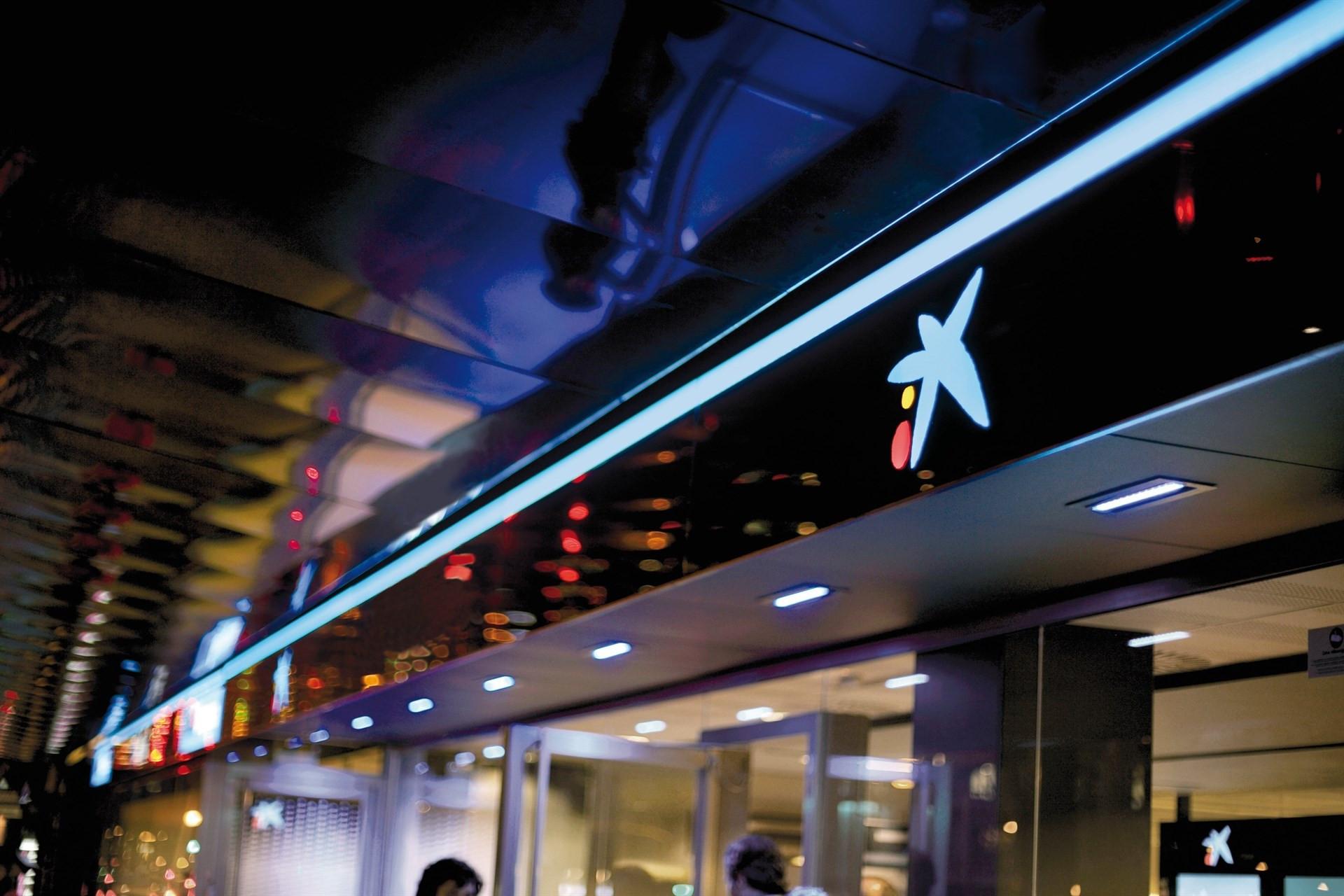 Caixabank abre en lima per una oficina de representaci n for Oficines caixabank