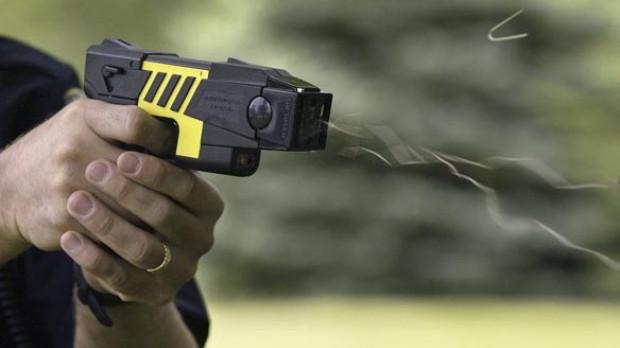 Taser pistola 2