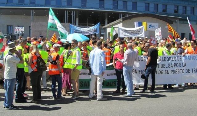 Trfico examinadores huelga