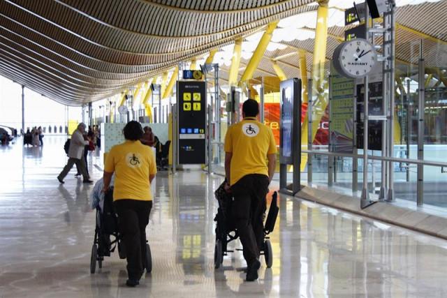 Aena atendió a 1,4 millones de pasajeros con movilidad reducida el pasado año