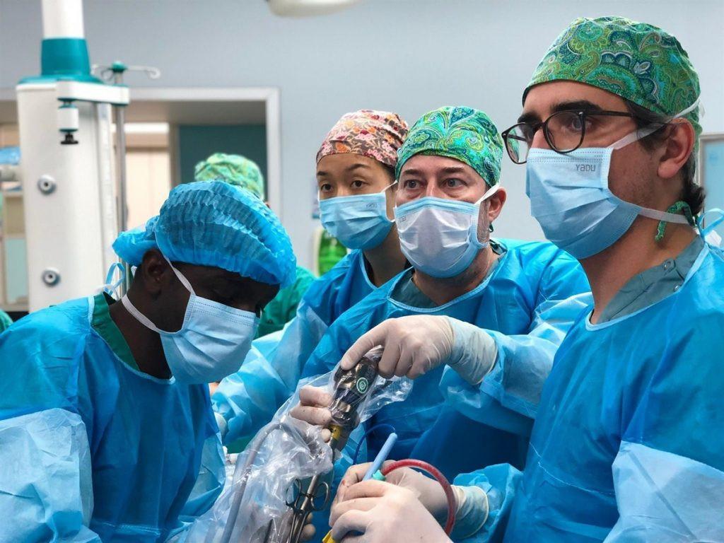 Un cirujano español, pionero en un estudio para disminuir el rechazo en los trasplantes de pulmón