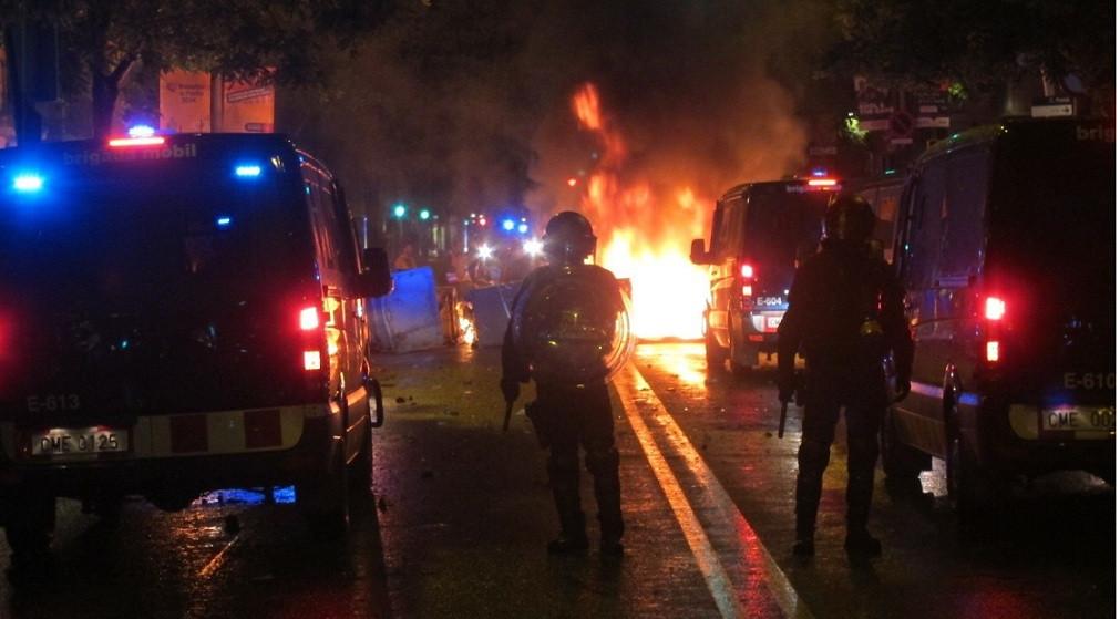 Disturbios can vies mossos