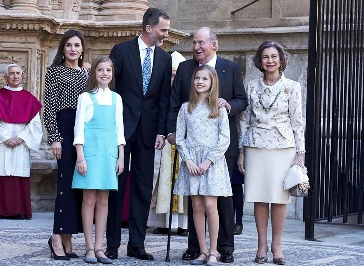 Familia real misa pascua palma 04052018
