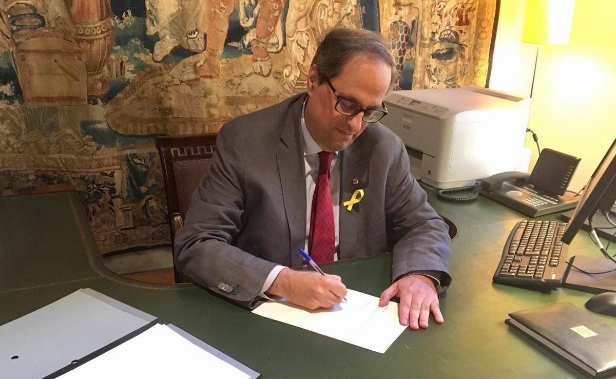 Torra signa el decret de nomenament dels nous membres del Consell Executiu
