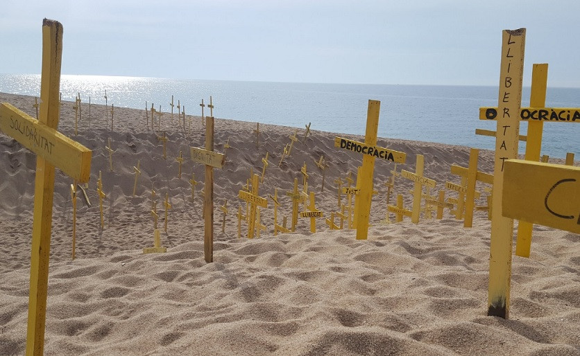 Cruces amarillas canet mar heridos 21052018
