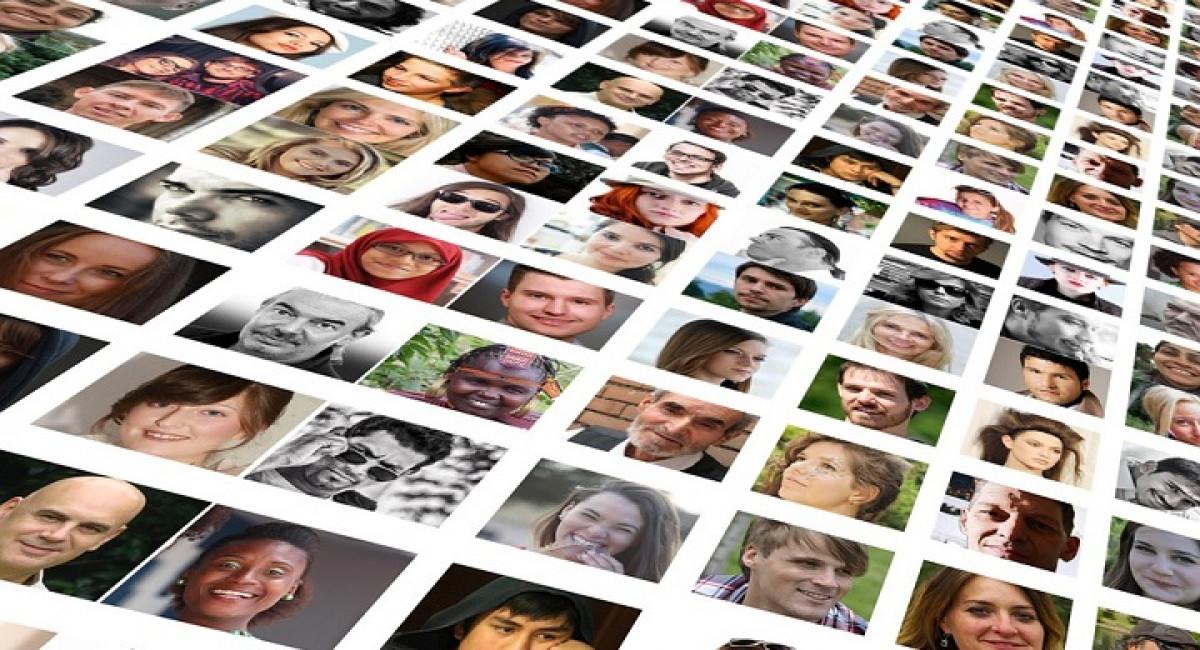 Mosaico de caras, rostros. CC