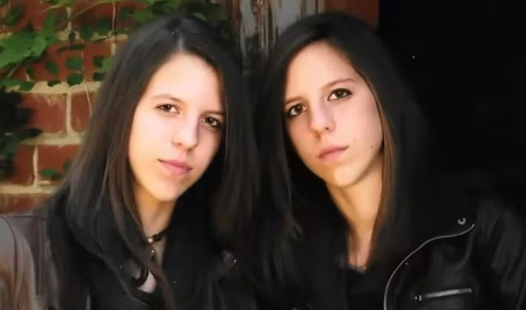 Los gemelos transgu00e9nero cuando eran Jaclyn y Jennifer