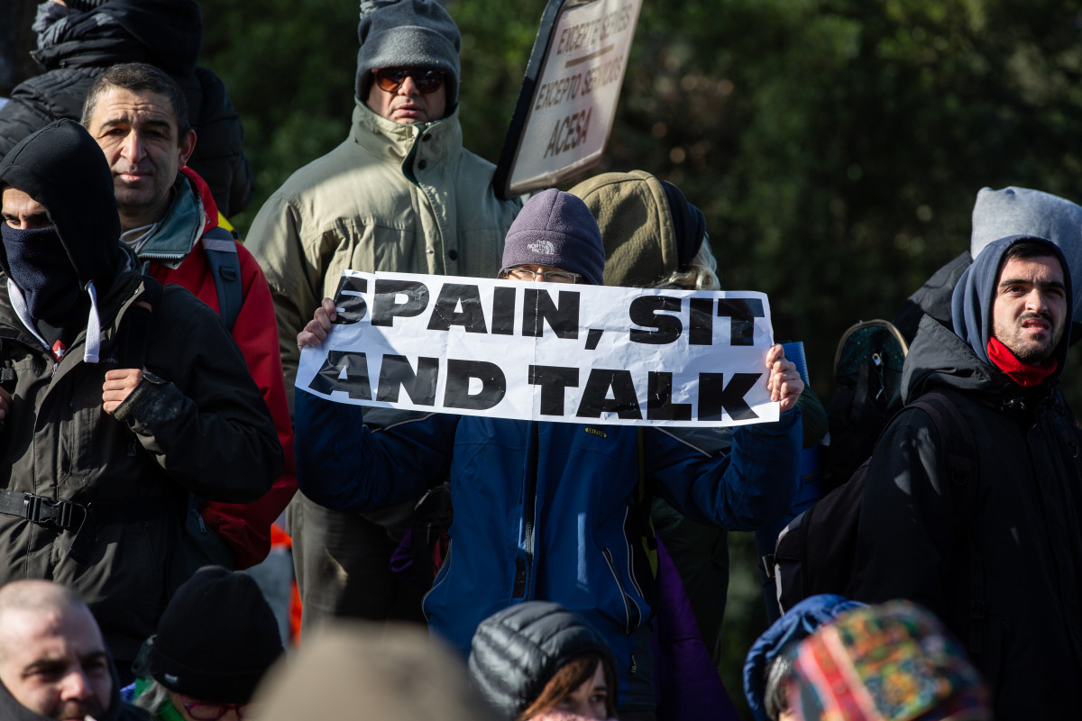 Spain, sit and talk foto tsunami
