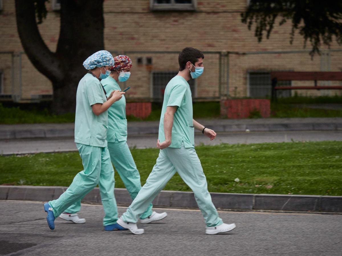 Personal sanitario del Hospital de Navarra durante la cuarta semana de confinamiento por el Estado de Alarma decretado por el Gobierno de España con motivo del coronavirus, COVID-19. En Pamplona, Nav