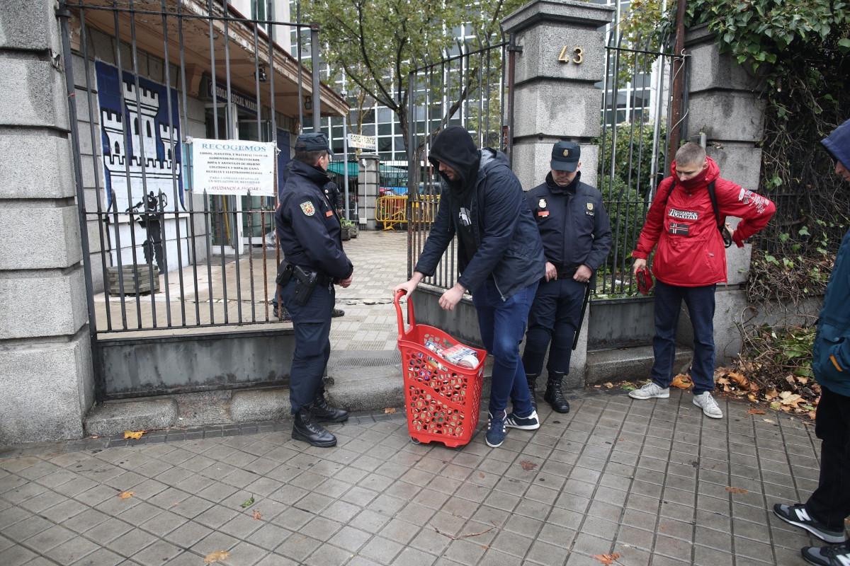 Interior lanza un nuevo protocolo de actuación policial para agilizar el  desalojo de los okupas