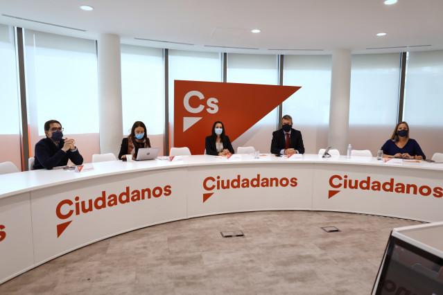 La presidenta de Ciudadanos, Inés Arrimadas, presidiendo una reunión del Comité Permanente del partido en la sede de Madrid.