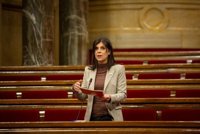 Archivo - La secretaria general adjunta y portavoz de ERC, Marta Vilalta interviene durante una sesión plenaria en el Parlament de Catalunya, en Barcelona, Catalunya, a 16 de diciembre de 2020.