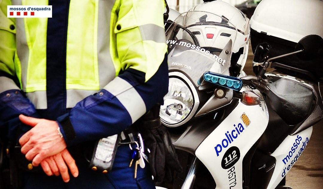 Detenidos tres jóvenes que robaban relojes de lujo en el Port Olímpic de Barcelona.