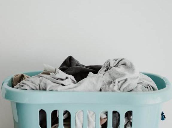Con la subida de la luz, muchas familias optarán por poner lavadoras o lavavajillas a horas diferentes de las habituales