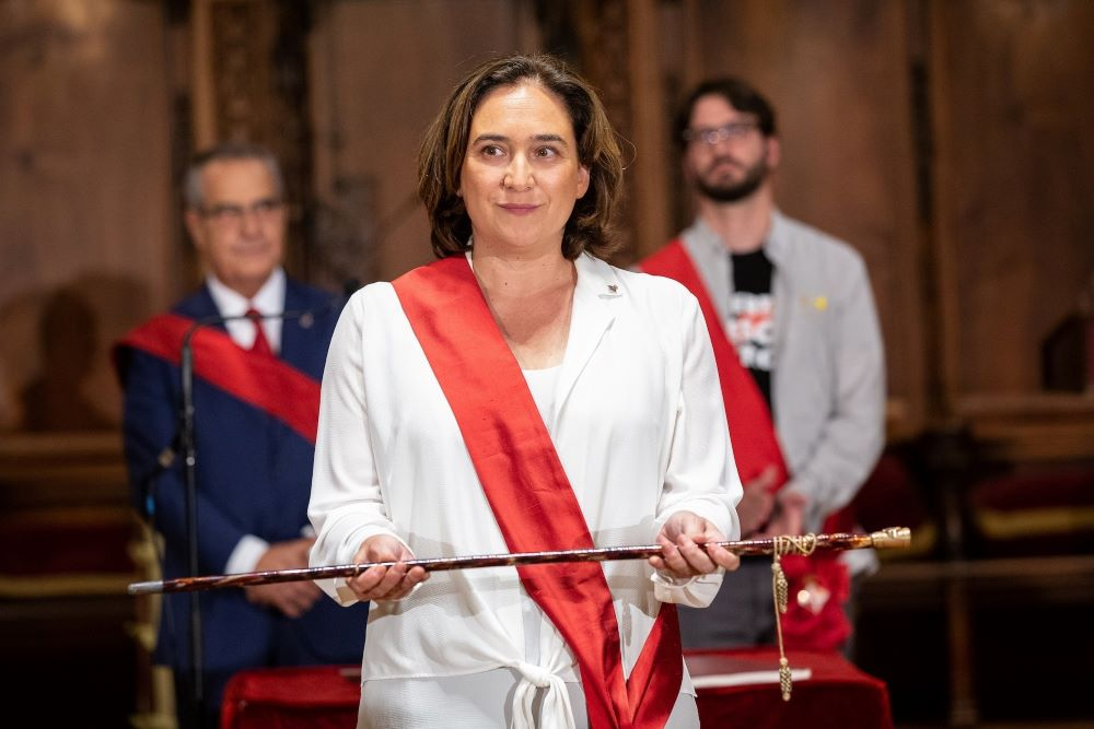 Colau revalida la Alcaldía de Barcelona con los votos del PSC y Valls